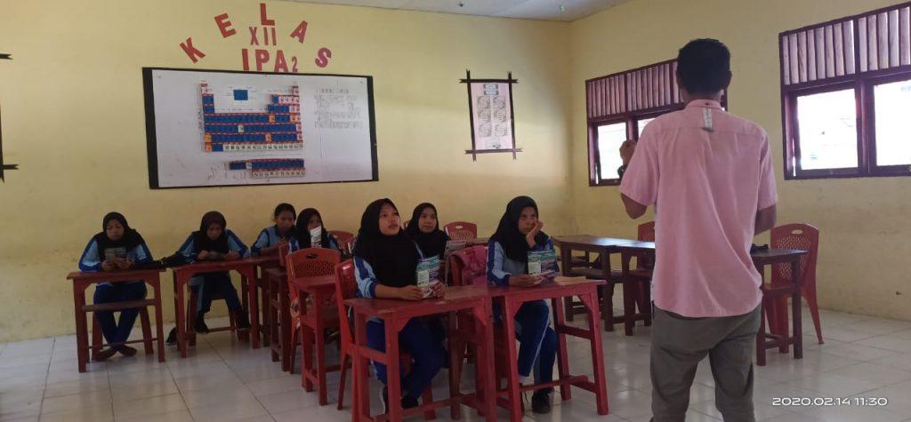Stikom Serbu Sekolah SMA/SMK/MA Pulau Seram